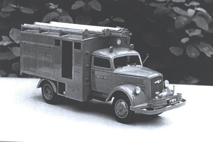 1:24 model af Opel Blitz Entreprenørvogn